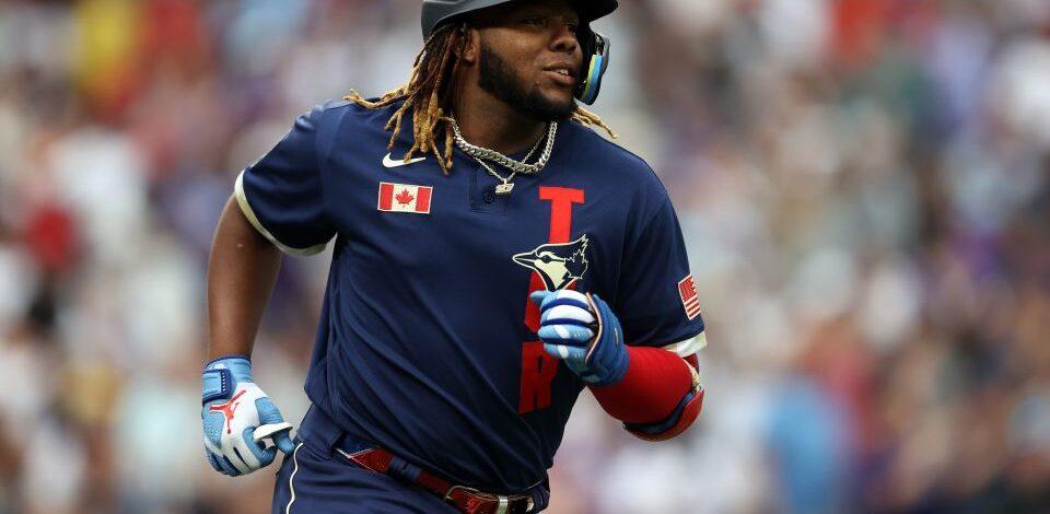 Vladimir Guerrero Jr. usó un guante personalizado y muy especial en su consagratorio Juego de Estrellas de MLB
